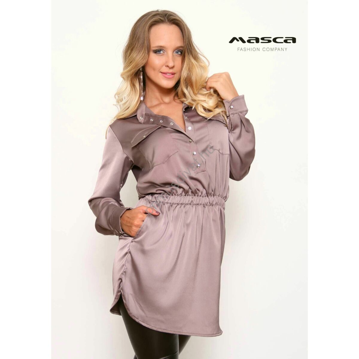 bc23730fbc Kép 1/1 - Masca Fashion galléros, patentos dekoltázsú gumis derekú drapp  szatén ingruha, rejtett zsebekkel