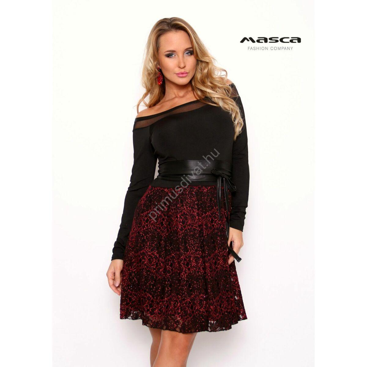 Masca Fashion vállra szabott muszlin betétes csónaknyakú, bordó lurex szálas csipkés loknis aljú fekete alkalmi miniruha