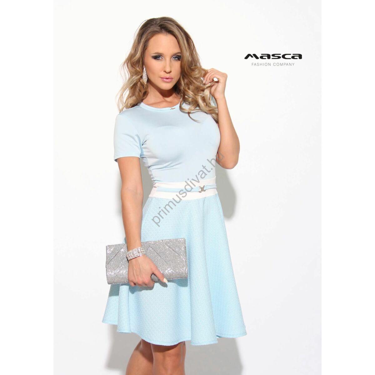 390c3ed8213b Kép 1/1 - Masca Fashion loknis szoknyarészű, rövid ujjú világoskék  miniruha, ékszerkapcsos övpánttal