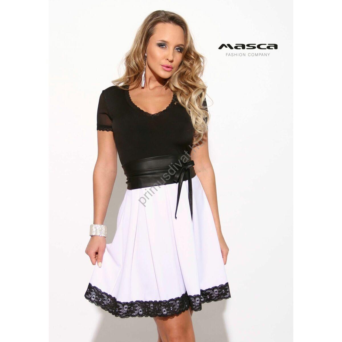 df9eb9131 Masca Fashion loknis csipkeszegélyes szoknyarészű, rövid muszlin ujjú  fekete-fehér alkalmi ruha, megkötős műbőr övvel - Mf906-43