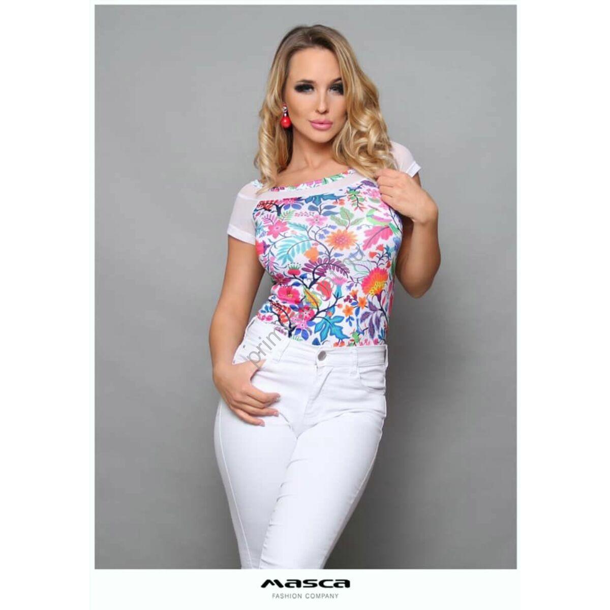 Masca Fashion vállra húzós csónaknyakú, rövid muszlin ujjú, fehér alapon színes virágmintás felső