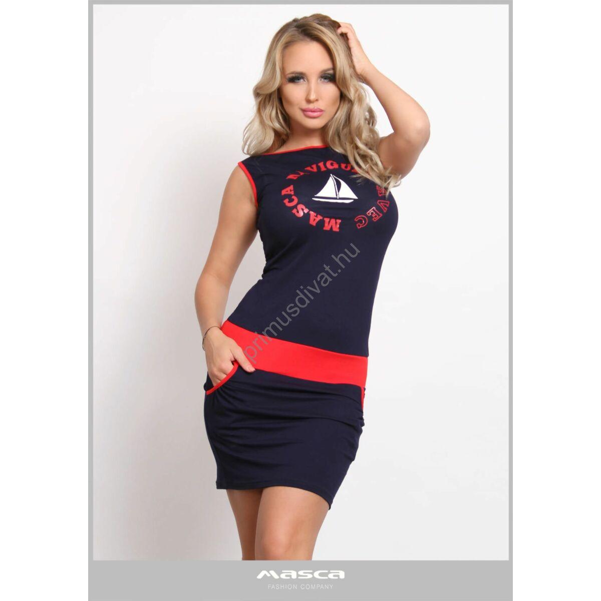 Masca Fashion csónaknyakú sötétkék ujjatlan szűk zsebes miniruha, piros szegőkkel, mellén márkafeliratos vitorlásmintával