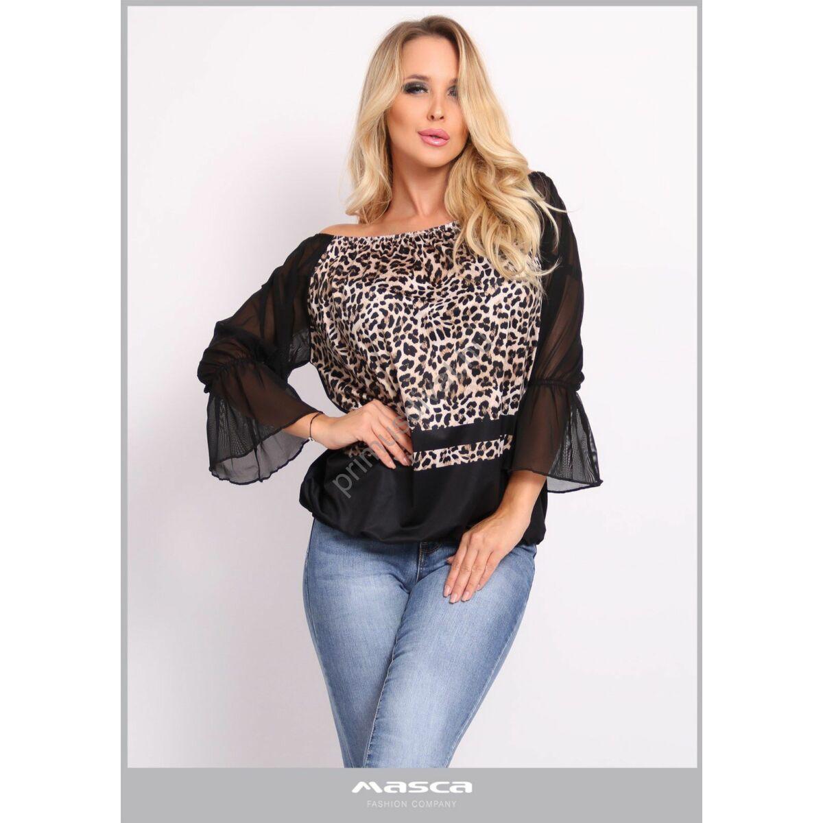 Masca Fashion vállra húzható gumírozott nyakú, muszlin hosszú ujjú lezser ocelotmintás fekete felső, csípőjén gumis behúzással