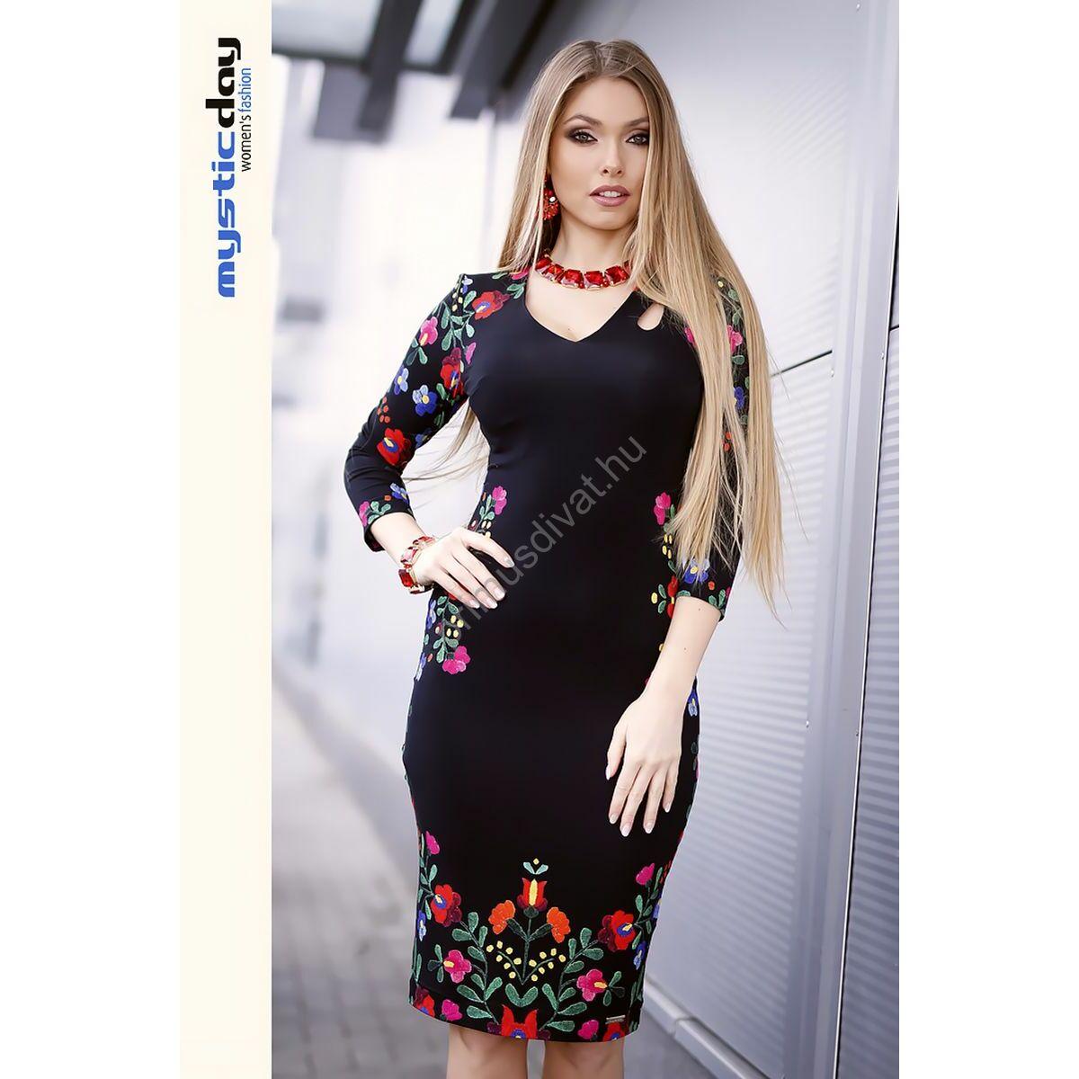 Mystic Day V-nyakú matyó virágmintás fekete viszkóz ruha 6e463a4f25