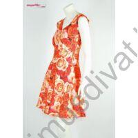 Mystic Day tüllel összefogott hasított dekoltázsú, korallos-narancs rózsamintás ujjatlan loknis alkalmi ruha, tüll szegélyes szatén alsószoknyával