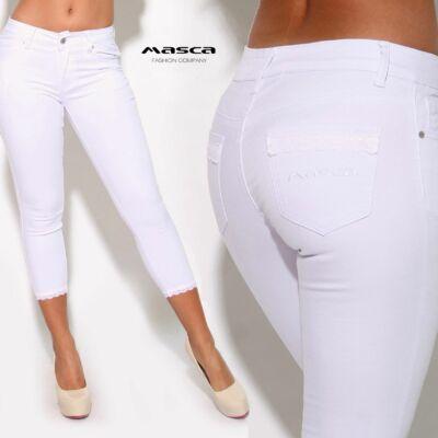 3a6691d194 Masca Fashion csipkeszegély díszítésű fehér rugalmas capri farmernadrág,  zsebén hímzett márkafelirattal