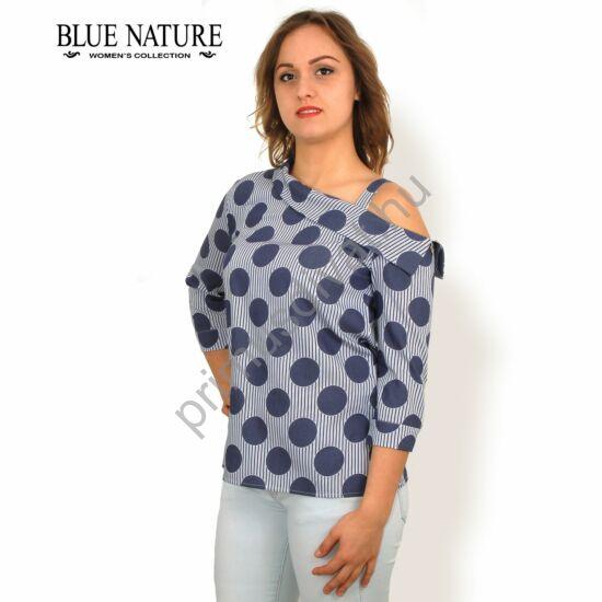Blue Nature aszimmetrikus, nyitott vállú, háromnegyedes ujjú, kék pöttyös-csíkos vászon blúz