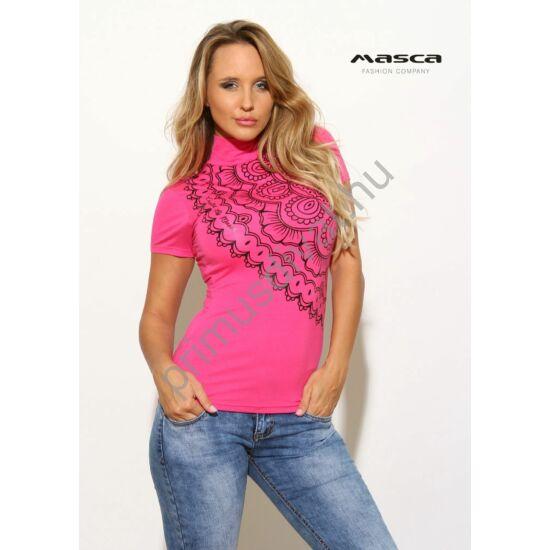 Masca Fashion rövid ujjú, garbós nyakú szűk pink felső, nyomott fekete mintával díszítve