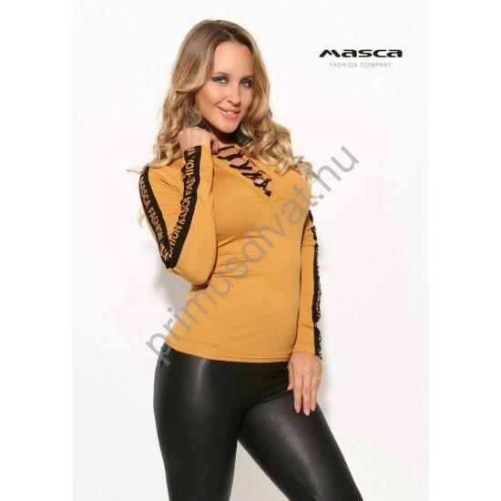 Masca Fashion fekete fűzős dekoltázsú okkersárga hosszú ujjú felső, ujján márkafelirattal