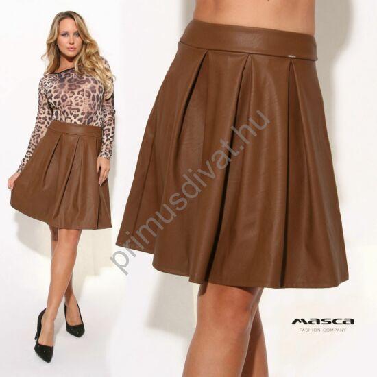Masca Fashion magas derekú, A-vonalú rakott barna műbőr szoknya