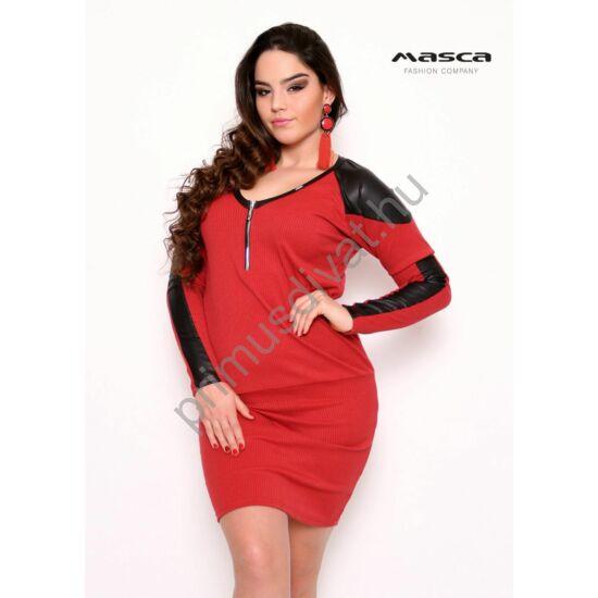 Masca Fashion cipzáras V-nyakú, fekete textilbőr betétes bordás kötött piros laza miniruha