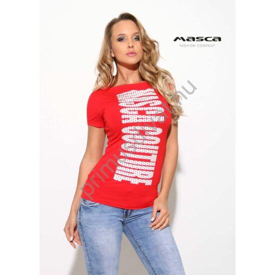 Masca Fashion csónaknyakú, rövid ujjú szűk piros felső, nyomott fehér pöttyös márkafelirattal
