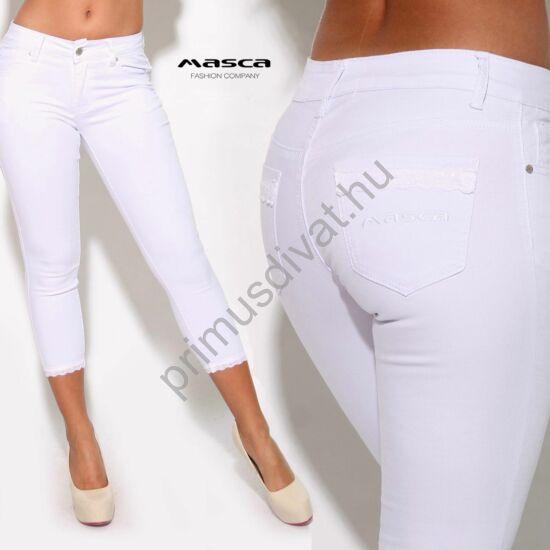 Masca Fashion csipkeszegély díszítésű fehér rugalmas capri farmernadrág, zsebén hímzett márkafelirattal