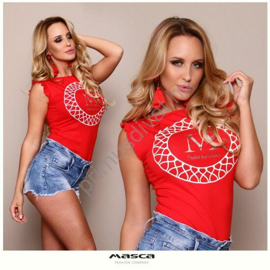 Masca Fashion csónaknyakú, fodorszegélyes ujjatlan szűk piros felső, mellén nyomott márkafeliratos mintával