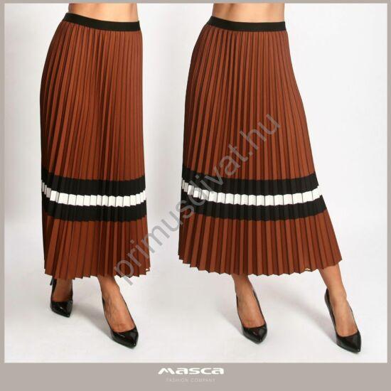 Masca Fashion fekete-fehér csíkos, rugalmas derekú pliszírozott barna maxi szoknya