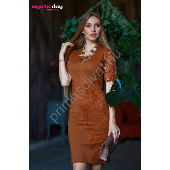 Mystic Day cikk-cakk nyakkivágású, csipke rátétes fahéj színű rövid ujjú alkalmi Annaliza ruha